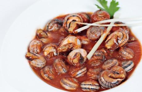 Cabrillas en Salsa de Tomate de Caracoles Marín